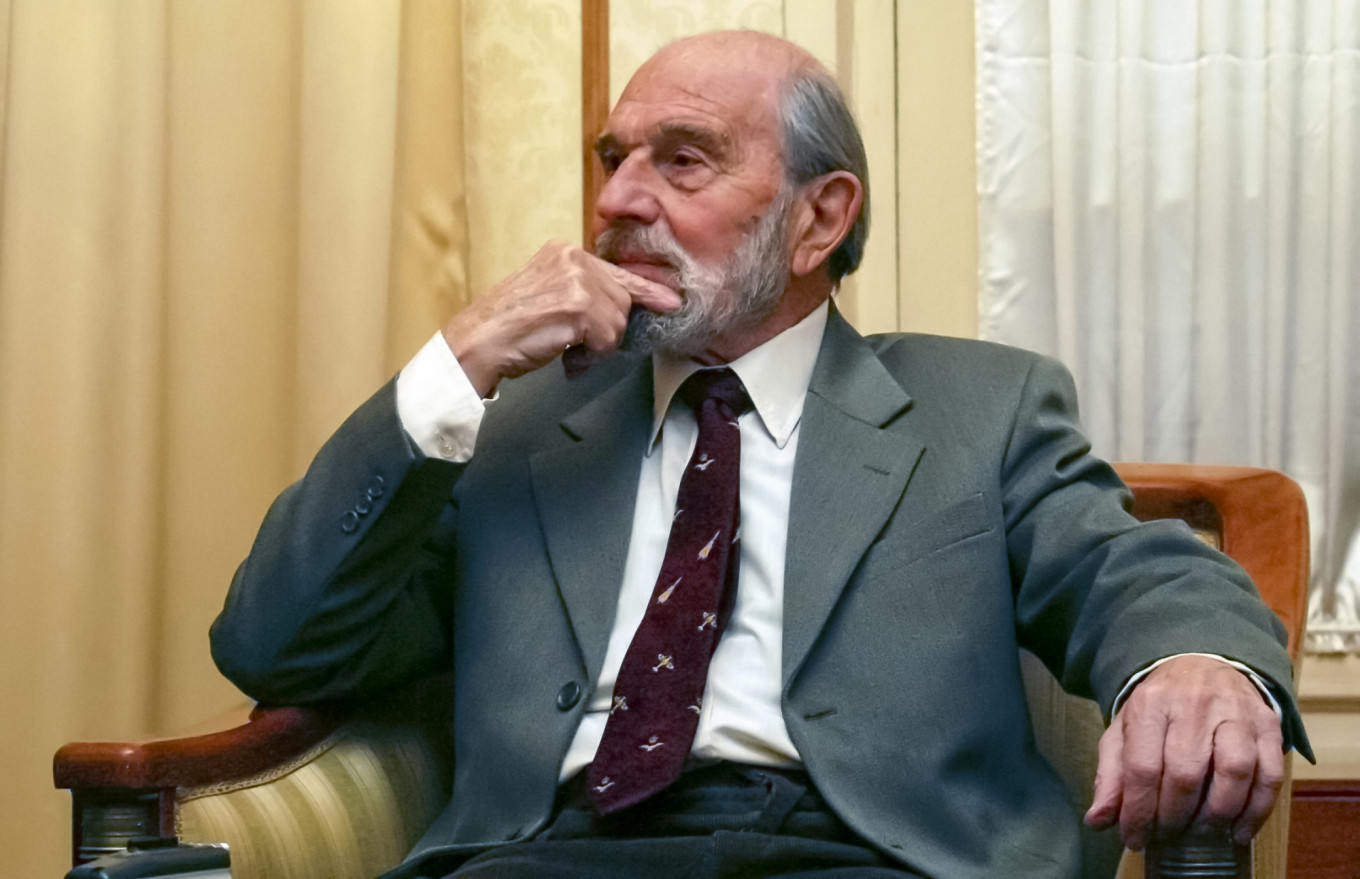 British Cold War Double Agent George Blake Dies in Moscow – The Moscow Times