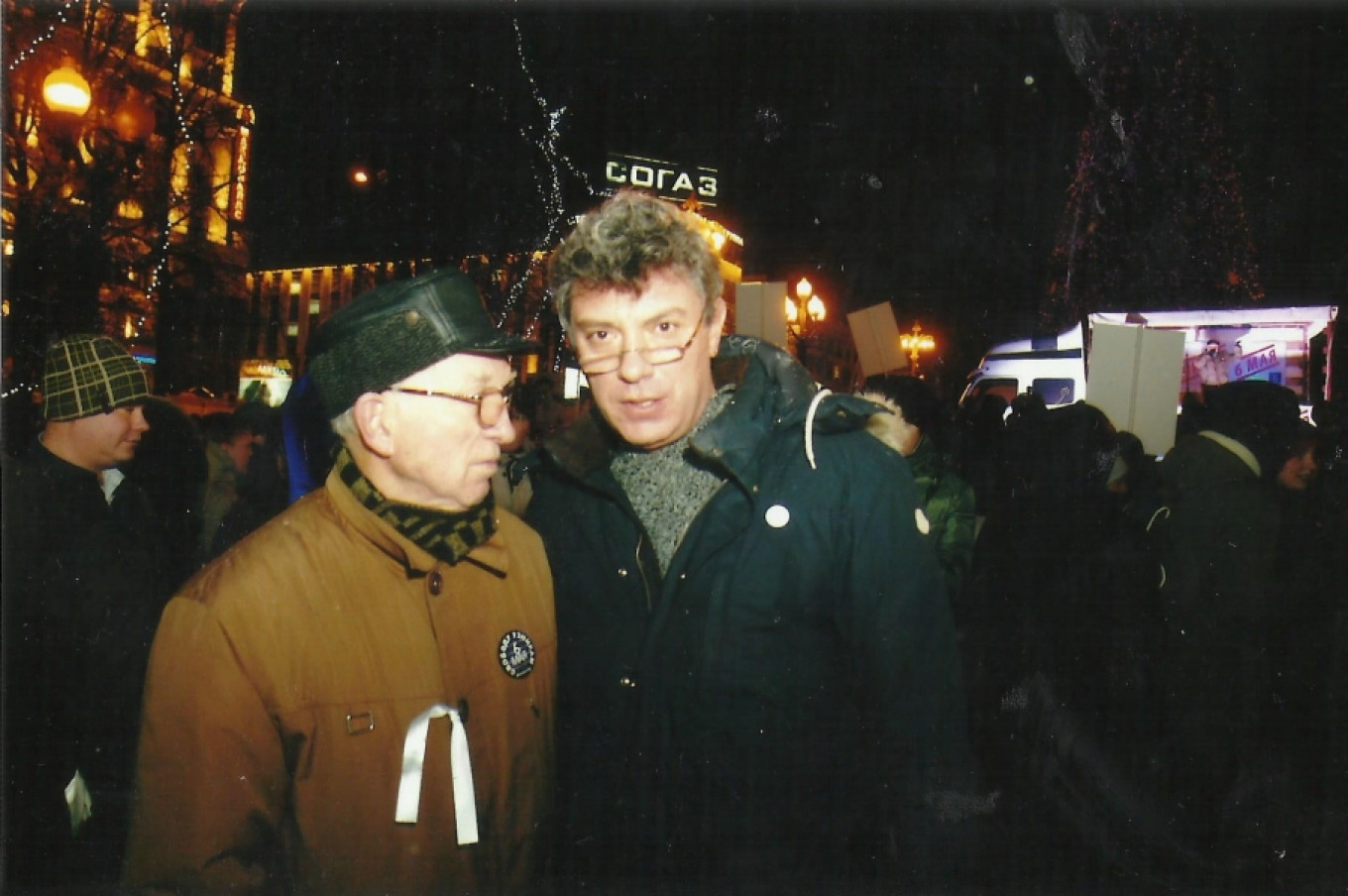 Boris Fyodorovich with Boris Nemtsov at a rally in November 2012.				 				For MT