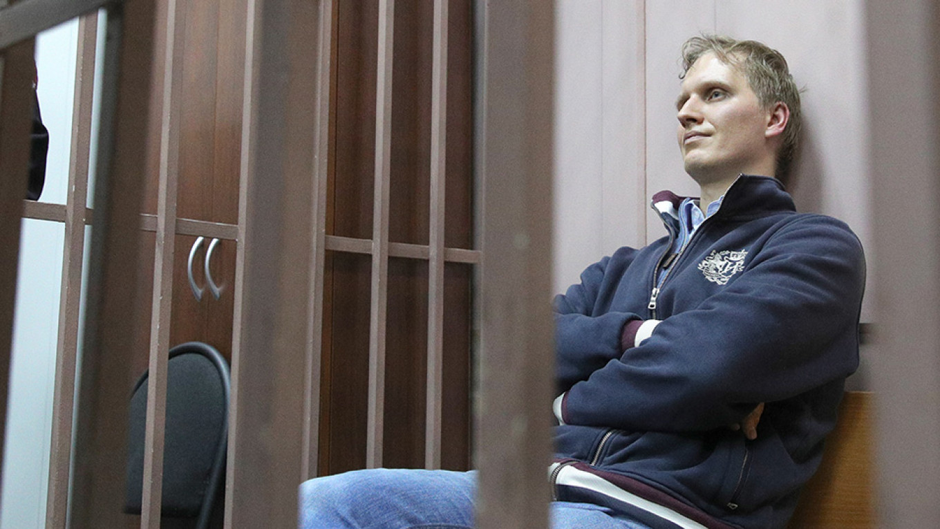 Calvey Case: While Two Foreigners Are Under House Arrest, Their Three Russian Colleagues Remain in Jail