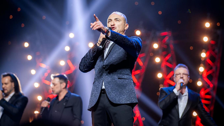 The Turetsky Choir in crooning mode.  arthor.ru