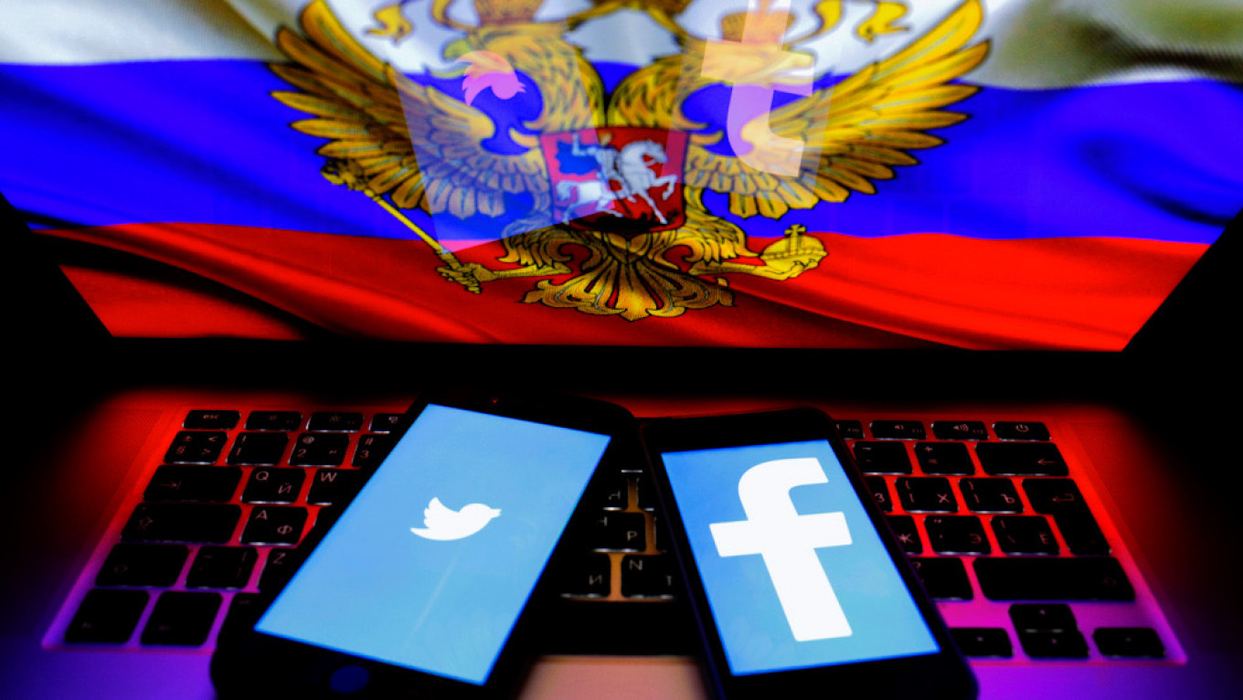 Russia to Fine Social Media Giants For Keeping Up Pro-Navalny Videos – The Moscow Times