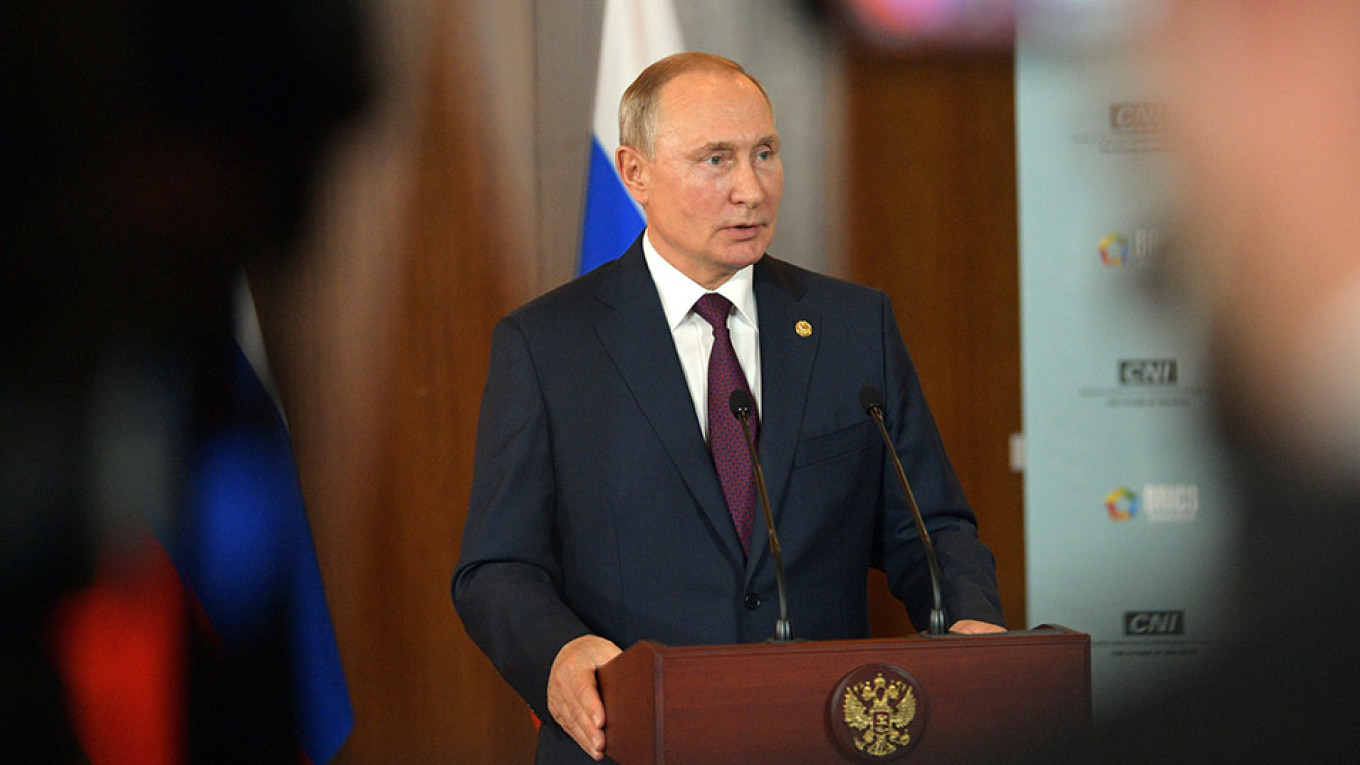 Positive Opinions Toward Putin Drop by 10% – Poll - The Moscow Times