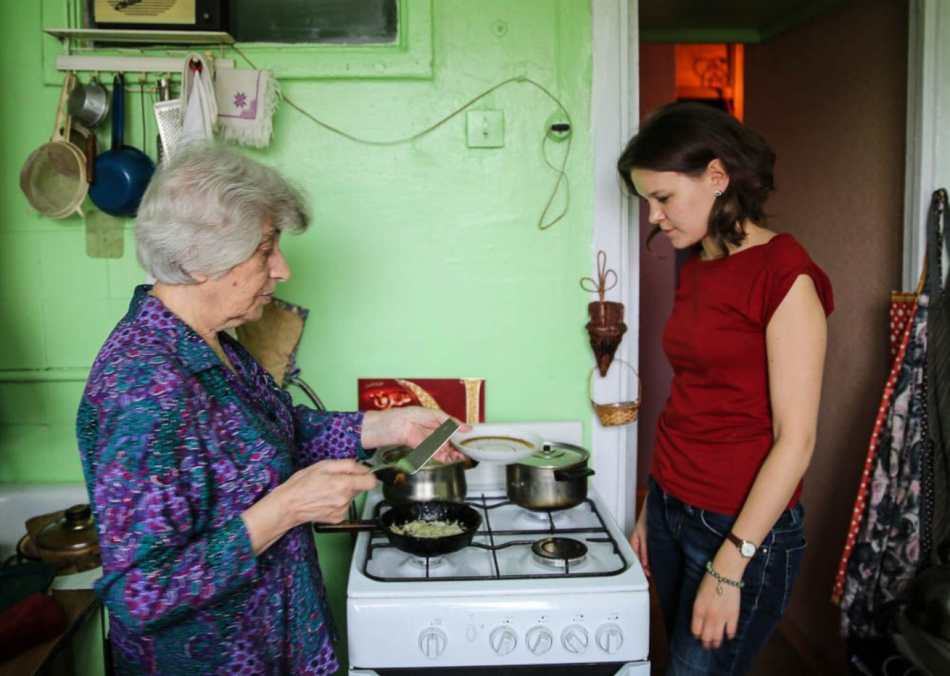 Cooking in a small Soviet-era kitchen could be challenging.				 				Jennifer Eremeeva / MT