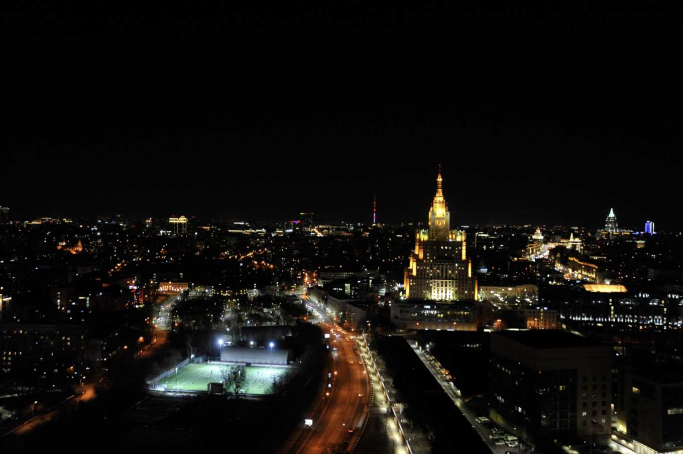 Moscow's Landmarks Go Dark for Earth Hour - The Moscow Times