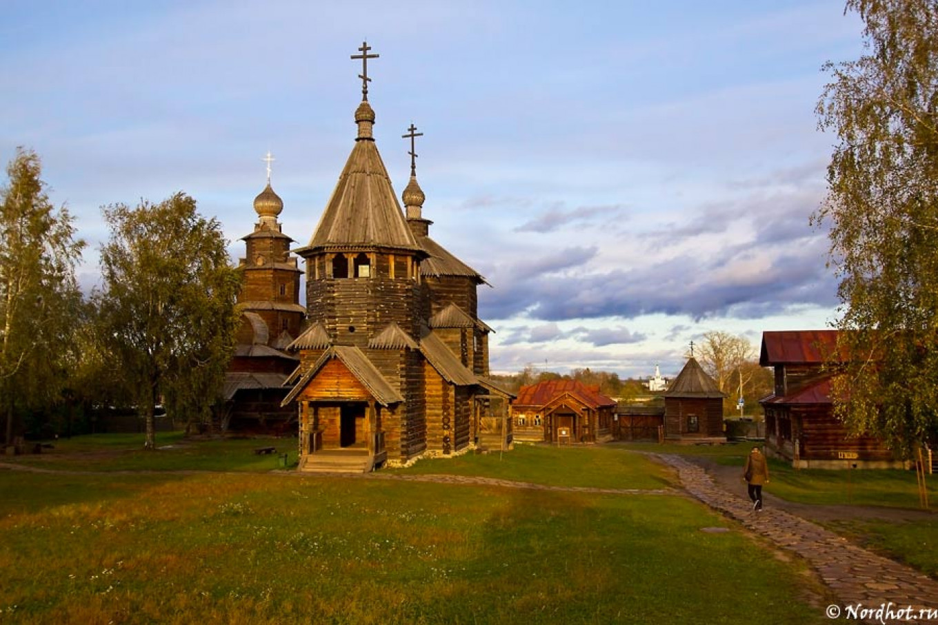 The Museum of Wooden Architecture is one of Suzdal's chief attractions. NORDHOT.RU