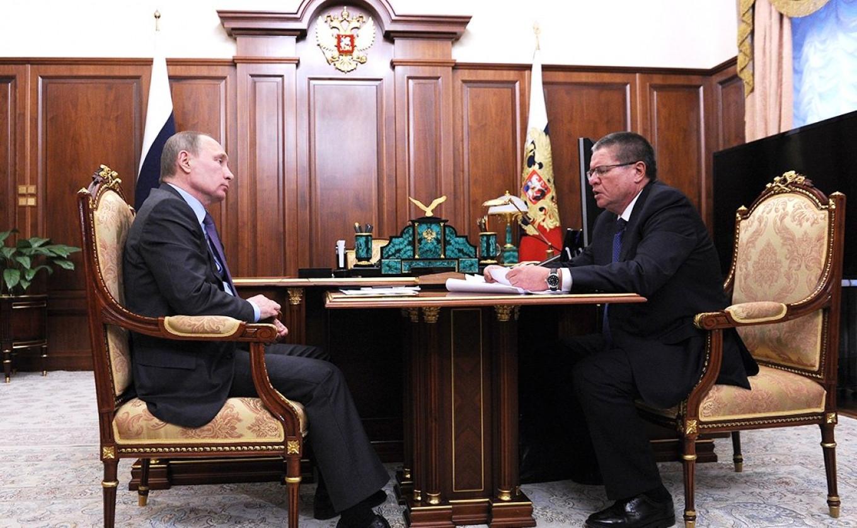 Vladimir Putin meets with Alexei Ulyukayev in January 2016. Kremlin Press Service
