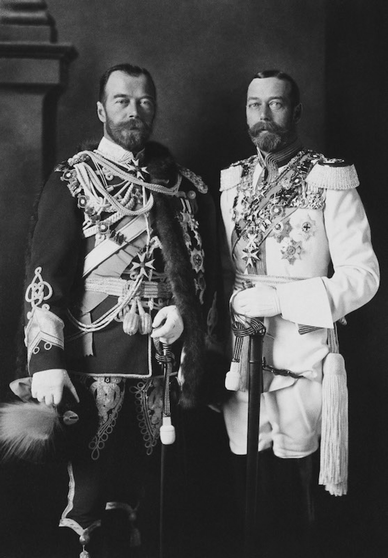Tsar Nicholas II (L) and King George V in Berlin, Germany, May 1913.				 				Project1917