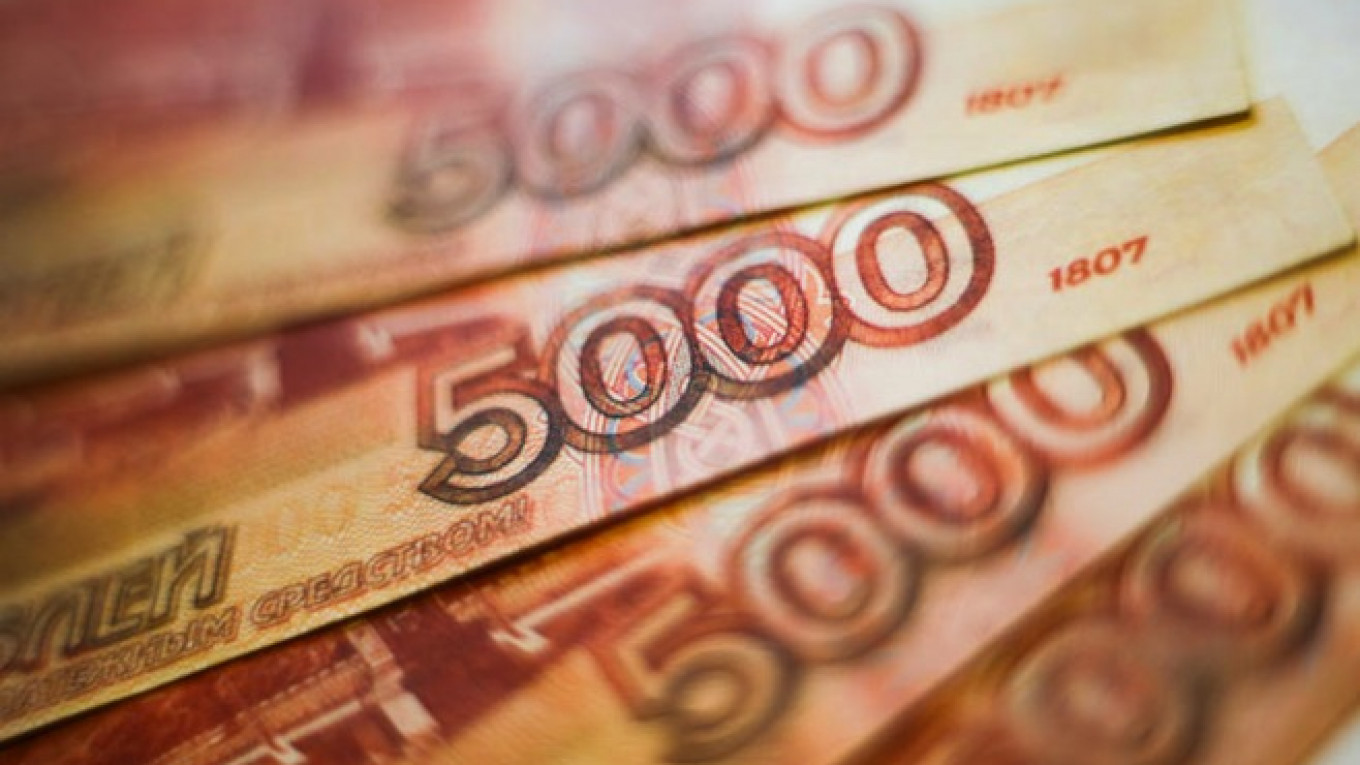 Russia Says Exploring Settlement in Euros, Rubles for Energy Exports