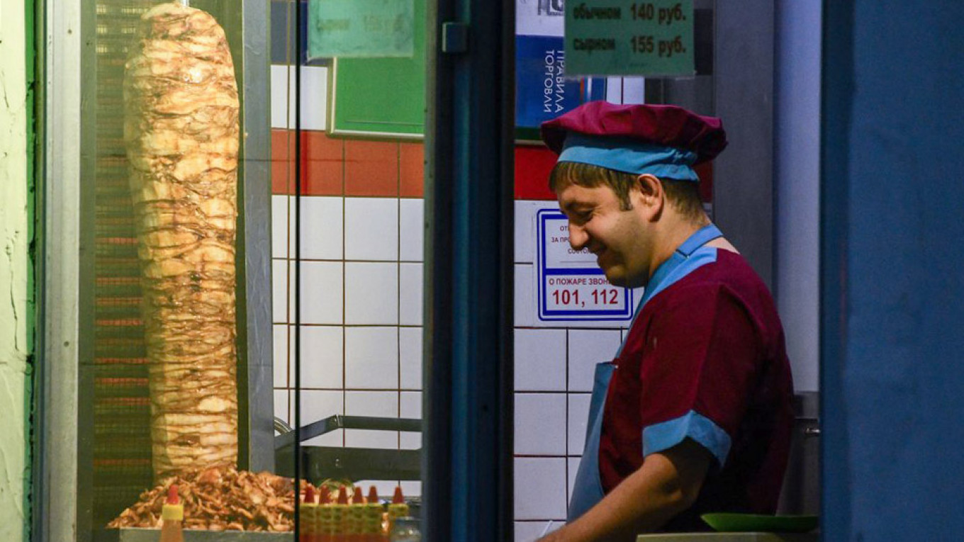 98% of Moscow's Shawarma Joints Are Unsanitary, Consumer Watchdog Says