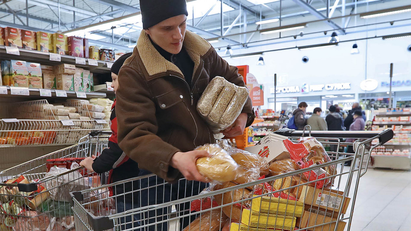 Buckwheat and the Coronavirus: How Russians Cope With the End of the World  - The Moscow Times