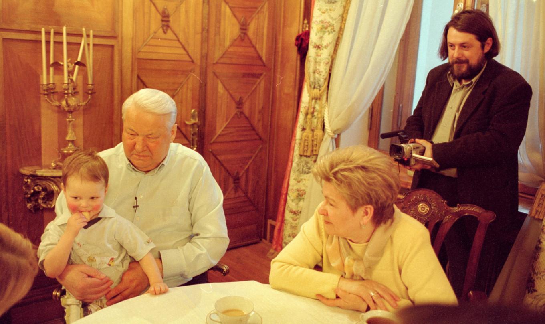 Mansky filming Boris Yeltsin and his family, 2000 Yuri Feklistov