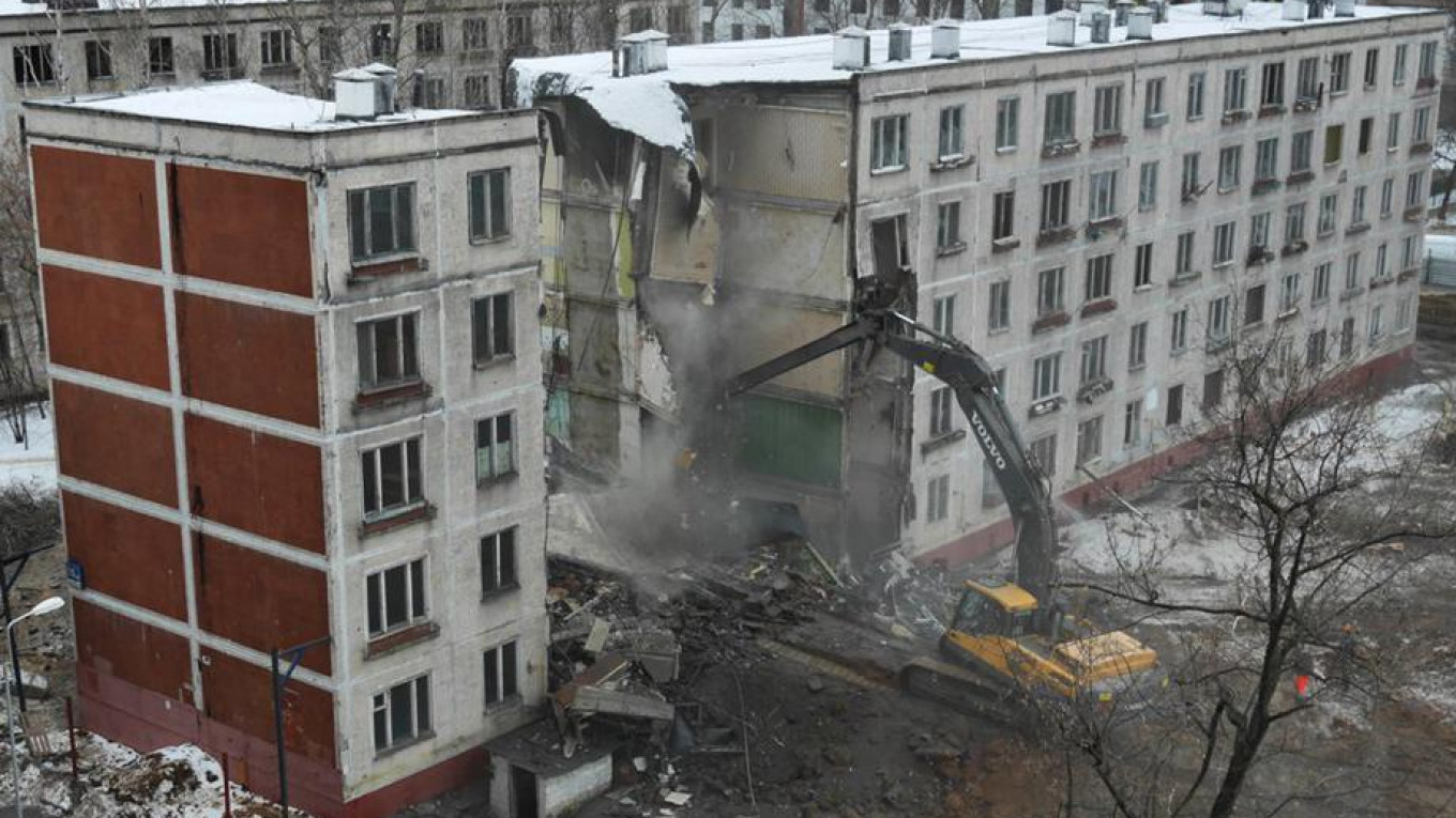 Residents of Zhiglova's former khrushchevka were moved out last winter.				 				Moskva News Agency