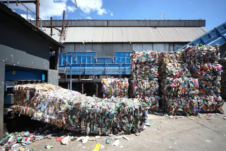 Russia's Trash Reform Risks Shutting Down Collectors in 9 Regions