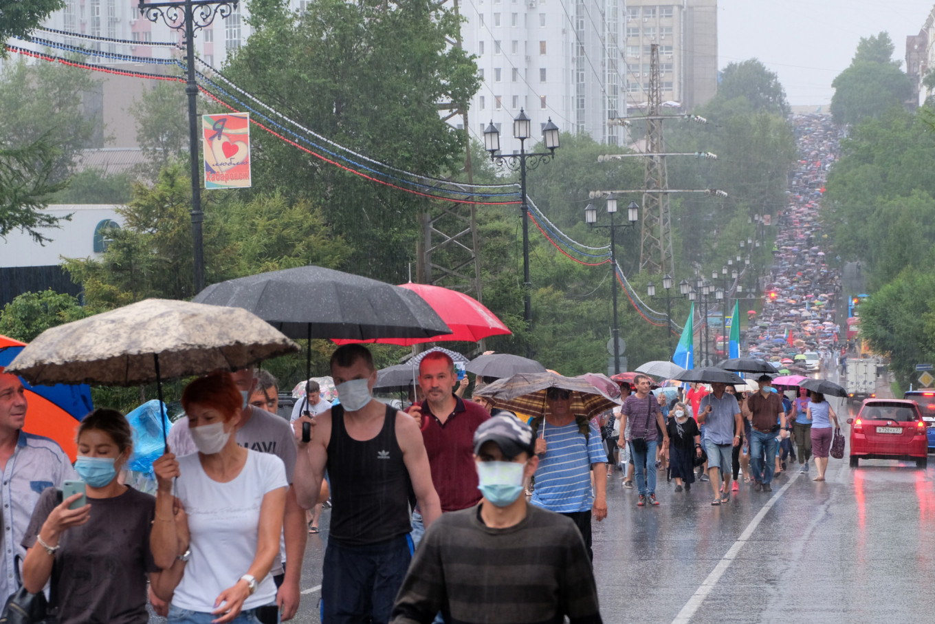 Russian Far East Protesters Turn Out by the Thousands as Crackdown Intensifies