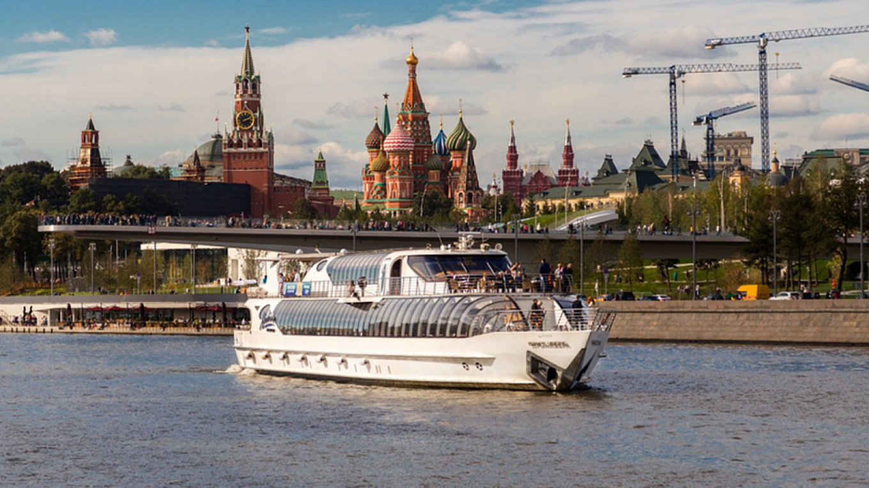 Roman Kuvshinnikov / Radisson-Cruise