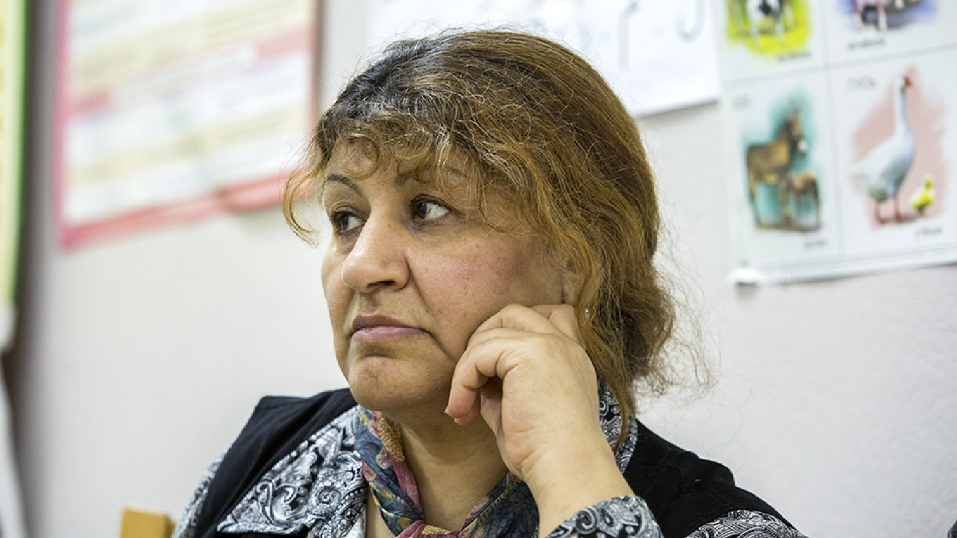"""Safa's first months in Russia were """"very hard."""" The Syrian factory owner didn't return her calls and she struggled to find housing. Ksenia Yablonskaya / MT"""