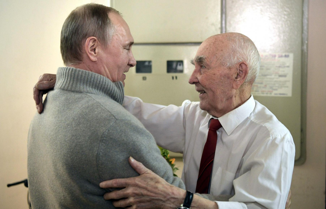 Putin Attends Birthday Party For His Old Kgb Boss