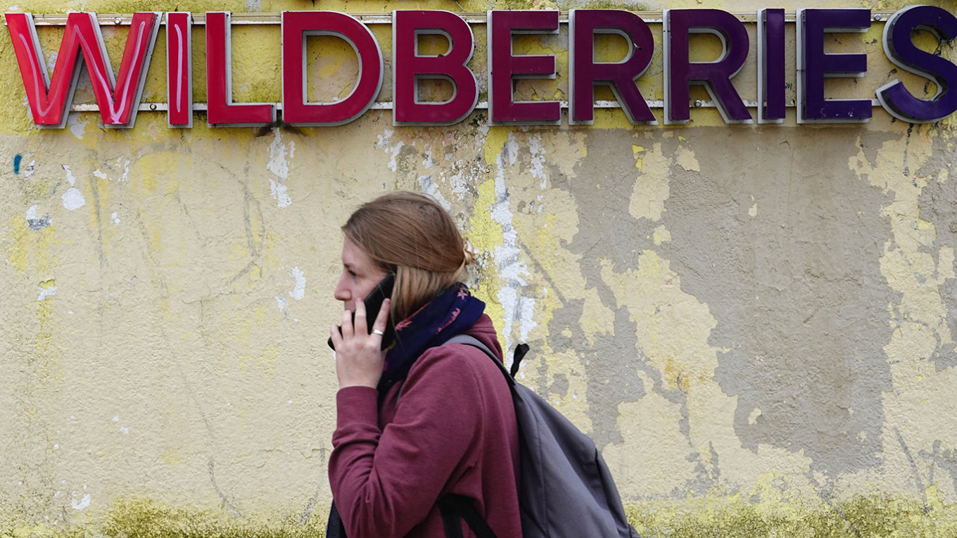 Employees of Russia E-Retail Giant Wildberries Go On Strike – The Moscow Times