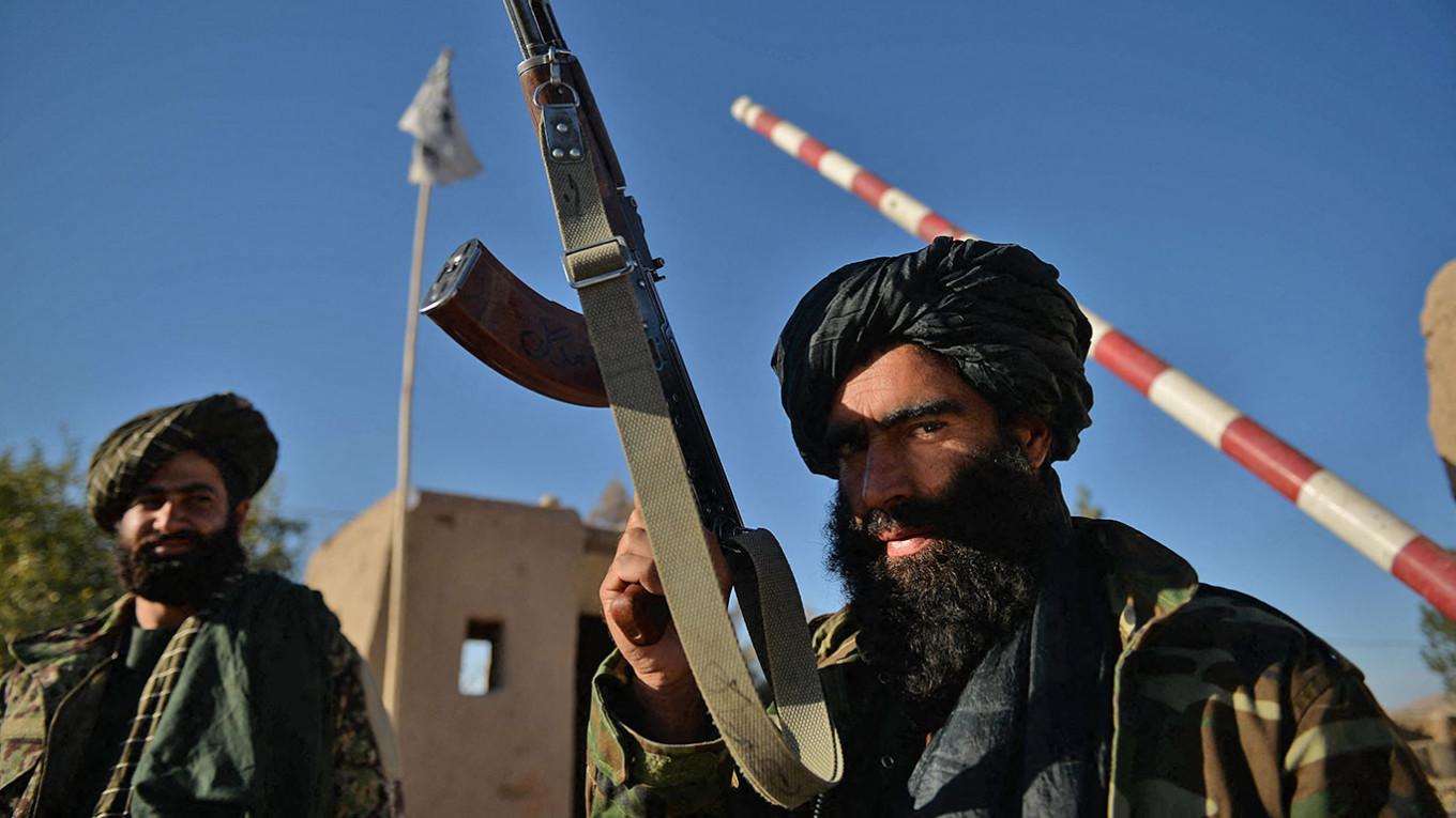 IS Fighters Massing in Afghanistan, Says Putin Ahead of Talks – The Moscow Times