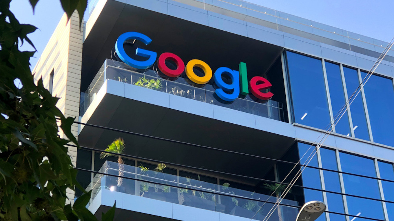 Russia Orders Foreign Tech Giants to Set Up Local Foothold – The Moscow Times