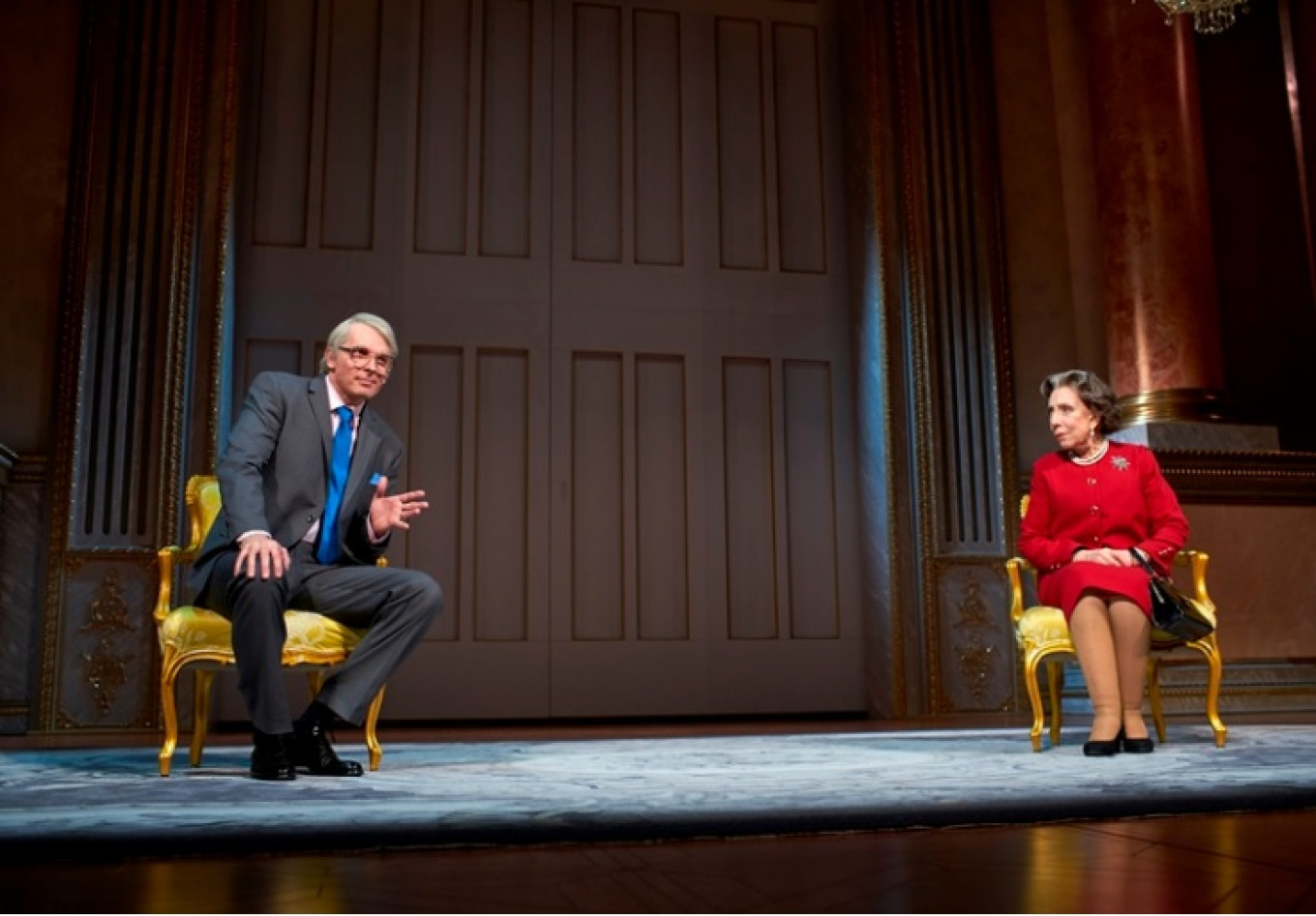 John Major (left) is the first UK prime minister to appear in 'The Audience.' SERGEI PETROV / THEATER OF NATIONS
