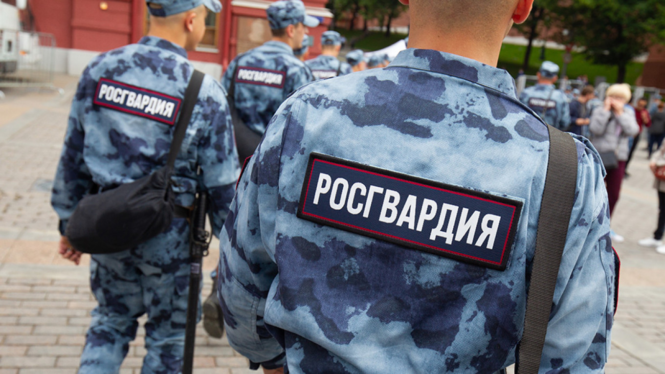 Russian Cops Take Down Security Officials for Planting Drugs on Teen