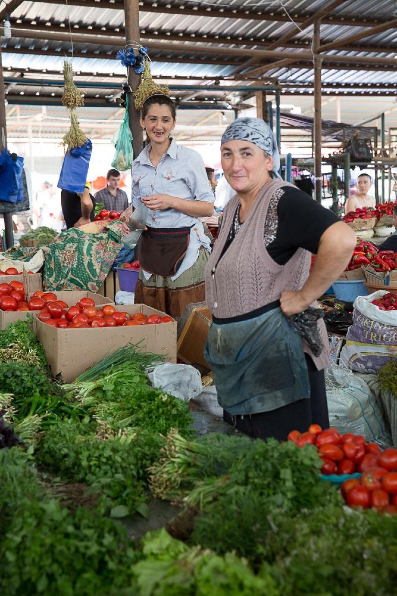 Herb sellers at Tbilisi market Jennifer Eremeeva / MT