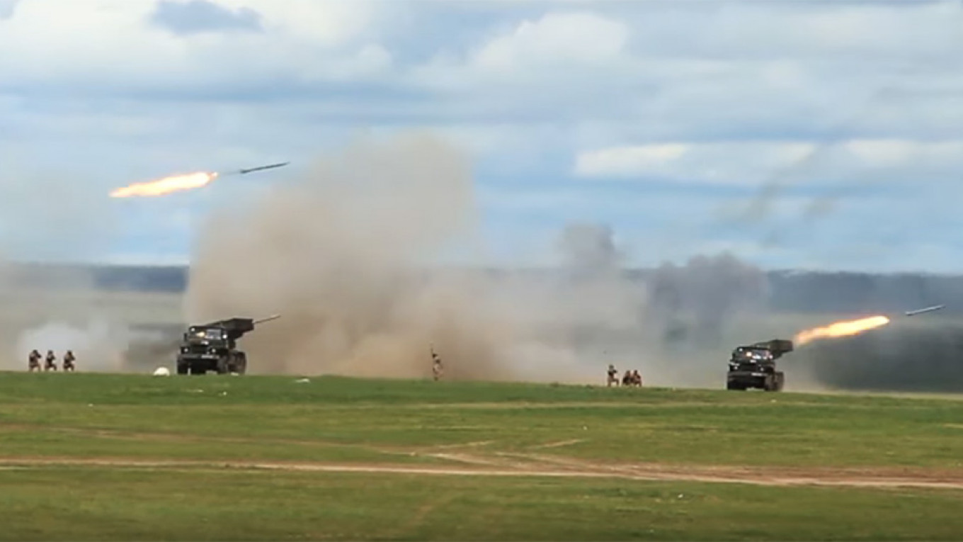Russia Stages Large-Scale Military Exercises With Mongolia