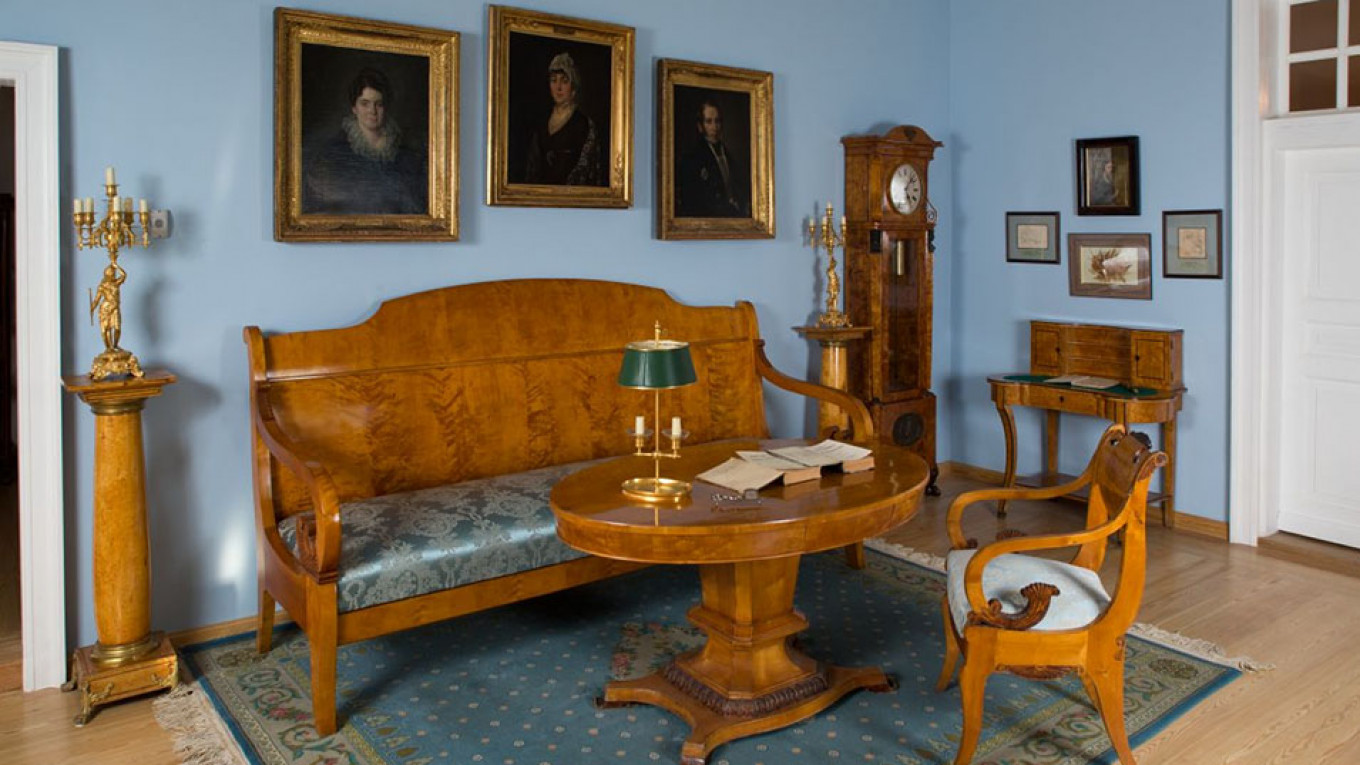 The Abramtsevo Estate was frequented by such guests as Gogol, Turgenev and Repin. The Abramtsevo Estate