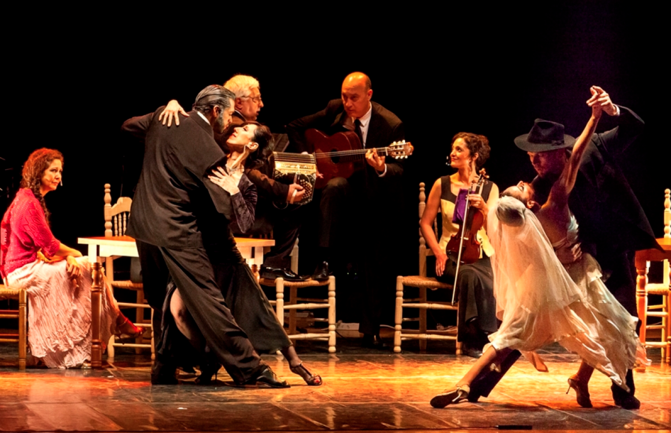 'Tango Show' (June 1 and 2) features 12 Argentinian dancers flanked by an instrumental ensemble.				 				CHEKHOVFEST.RU