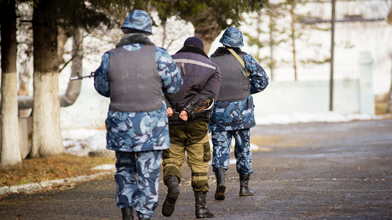 Russia's Prison Service Wants Guards to Apologize to Inmates