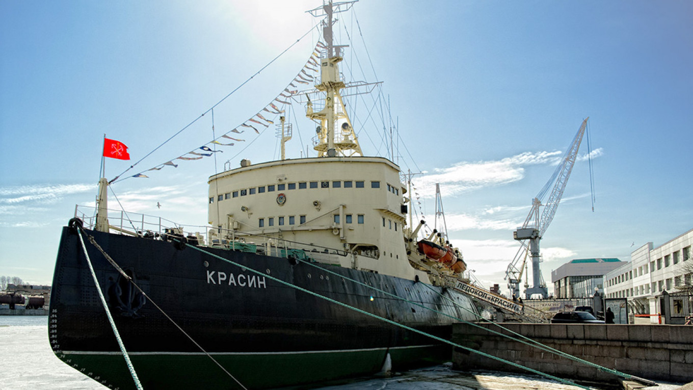 Russia Plans New Icebreakers, Ports and Satellites for Northern Sea Route - The Moscow Times