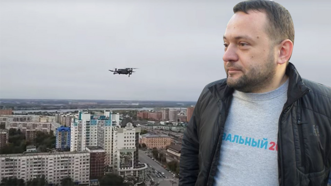 Navalny Ally 'Evacuates' Electronics by Drone as Russian Police Stage Mass Raids