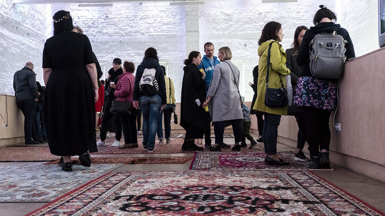 Video art and rug art Anton Savinov / Flacon