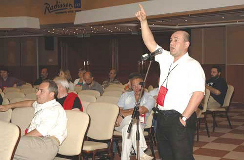 Mishustin speaking at a Russkiy Den' conference in 2006. mkf.ru