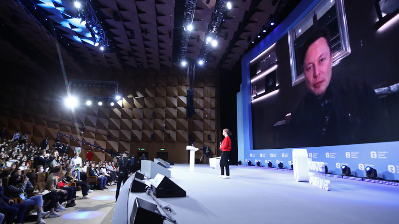 Elon Musk Promises Tesla in Russia 'At Some Point' – The Moscow Times