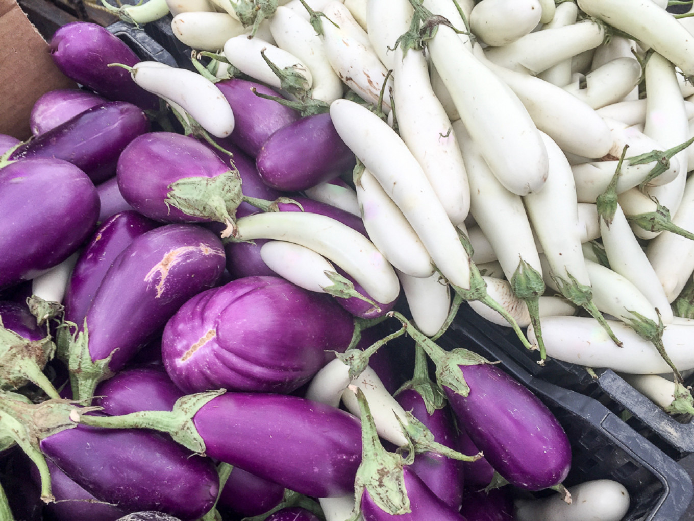 Moscow markets have several kinds of eggplant Jennifer Eremeeva / MT