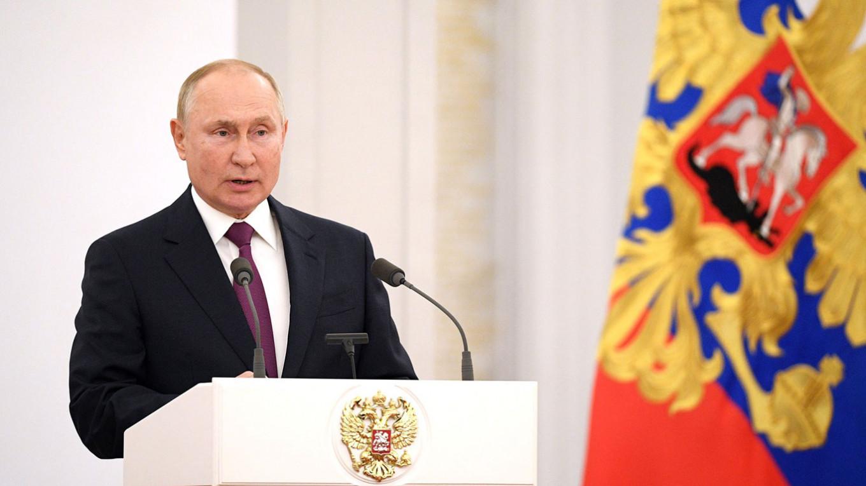 Putin Says Talk of Succession 'Destabilizes' Russia