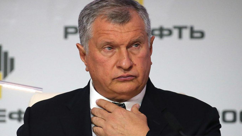 Igor Sechin Petr Kovalev / TASS