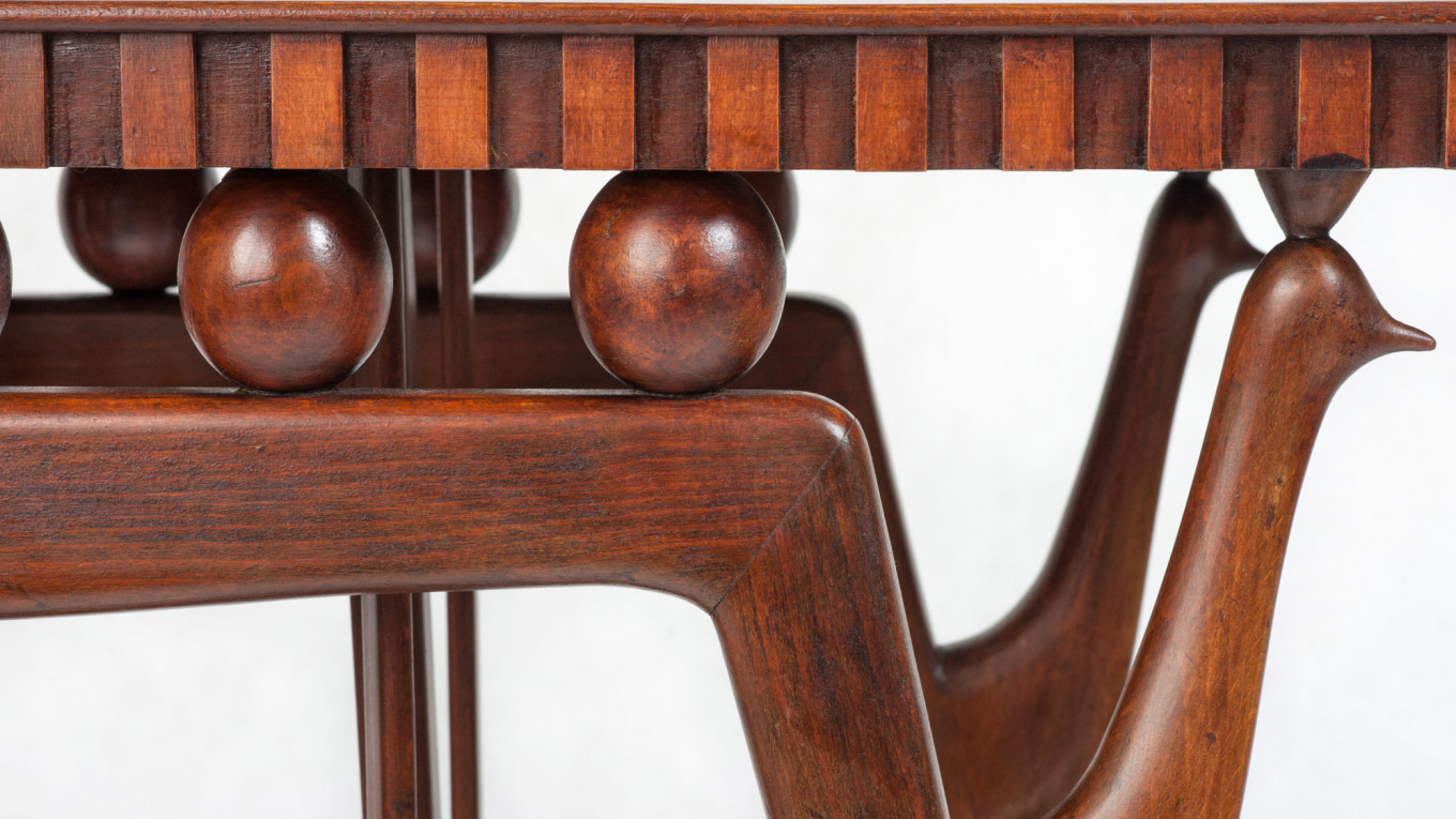Detail of an Art Deco-style walnut serving table designed by Giuseppe Anciani the 1950s. Courtesy of Palisander Gallery