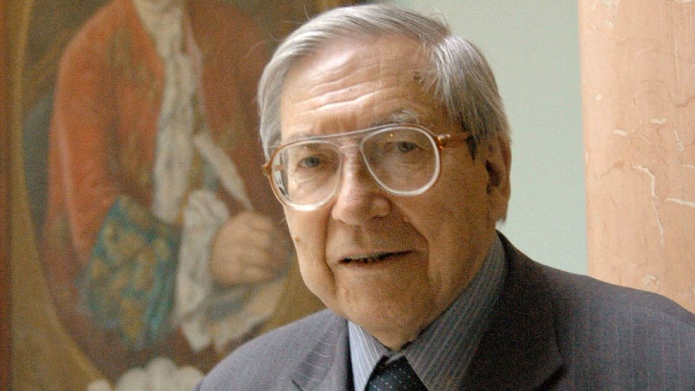 Yasen Zasursky, President of Moscow University Journalism Department, is Dead at 91 – The Moscow Times