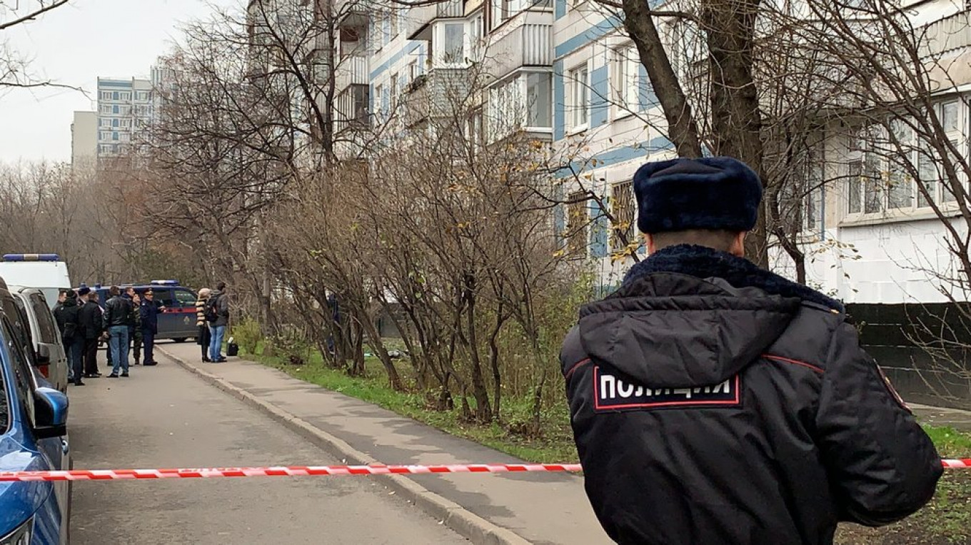 Lyudmila Sokolova jumped from her apartment window with her two children. Moskva News Agency