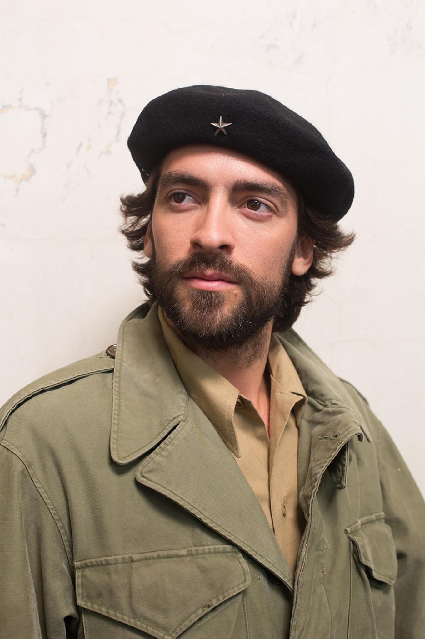 Andreas Muñoz sebagai Che Guevara Rossiya 1