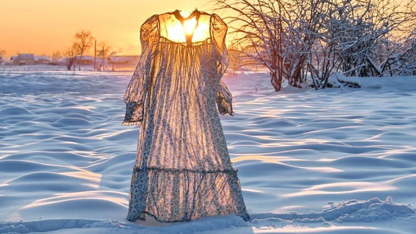 frozen capturing the beauty of siberia in winter the moscow times beauty of siberia in winter