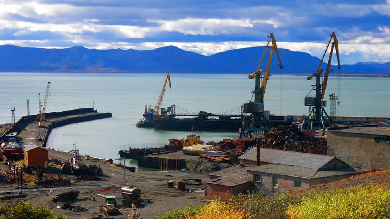 Beringovsky port Yevgeny Basov / basov-chukotka.livejournal.com