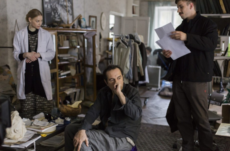 "The nurse (Svetlana Khodchenkova); David (Merab Ninidze), and investigator (Alexander Pal) Screenshot from ""House Arrest"""