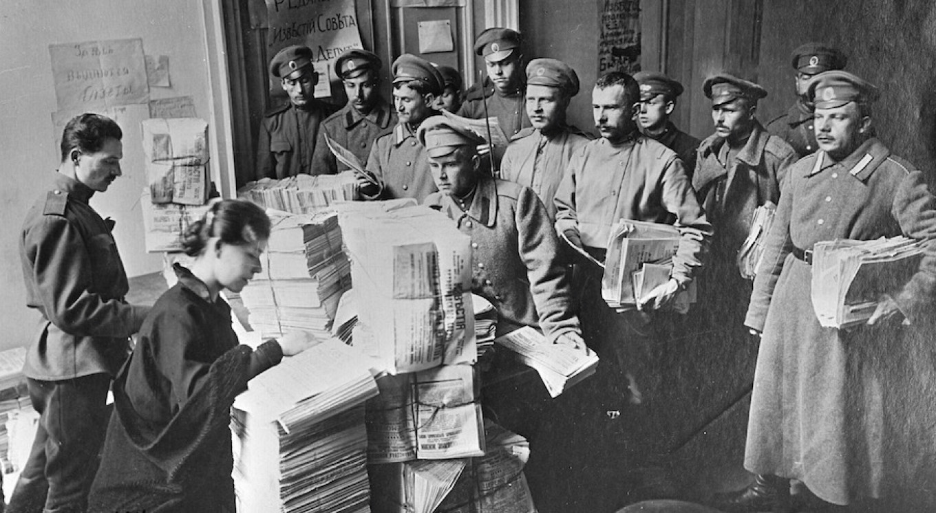 Apr. 1, 1917. The soldiers of Petrograd receive one of the first issues of Izvestia.  RIA Novosti