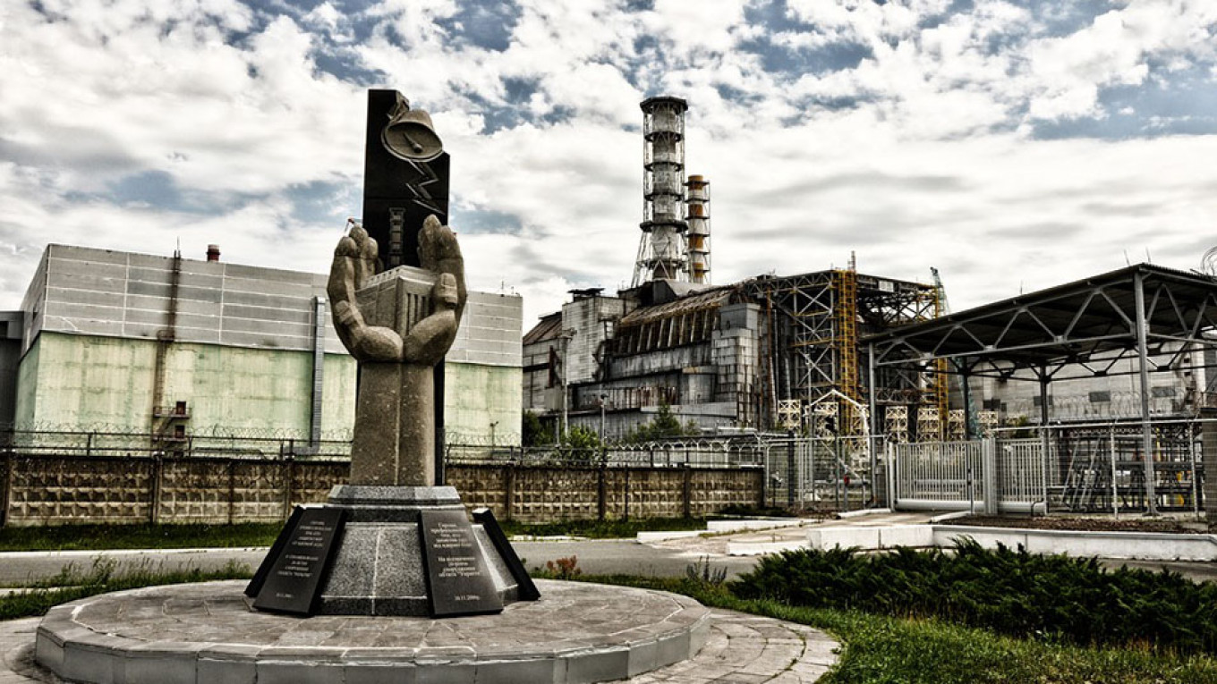 Russians' Fear of Chernobyl Repeat Hits Record Low, Poll Says