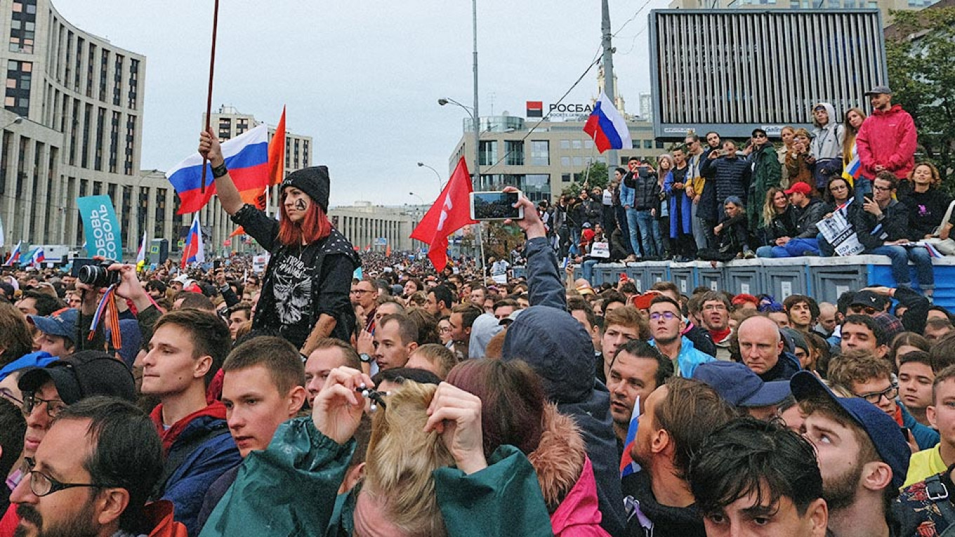 Moscow Protest Leaders Sued for $190K Over Blocked Traffic Claims