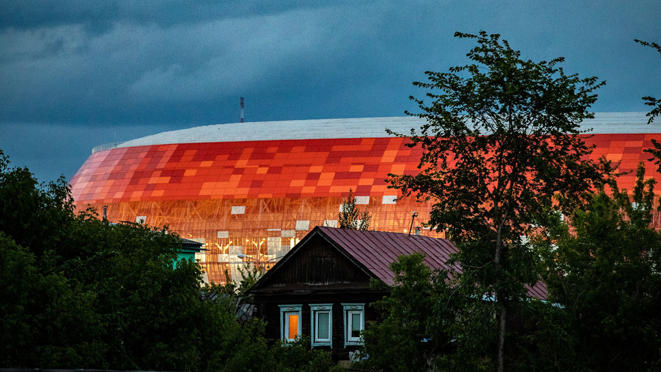 The stadium was designed with bright orange colors, a reference to the importance of the sun in the traditional beliefs of local Mordvin ethnic groups. Stanislav Krasilnikov / TASS